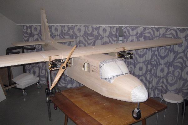 Islander BN-2 in 1:4 5